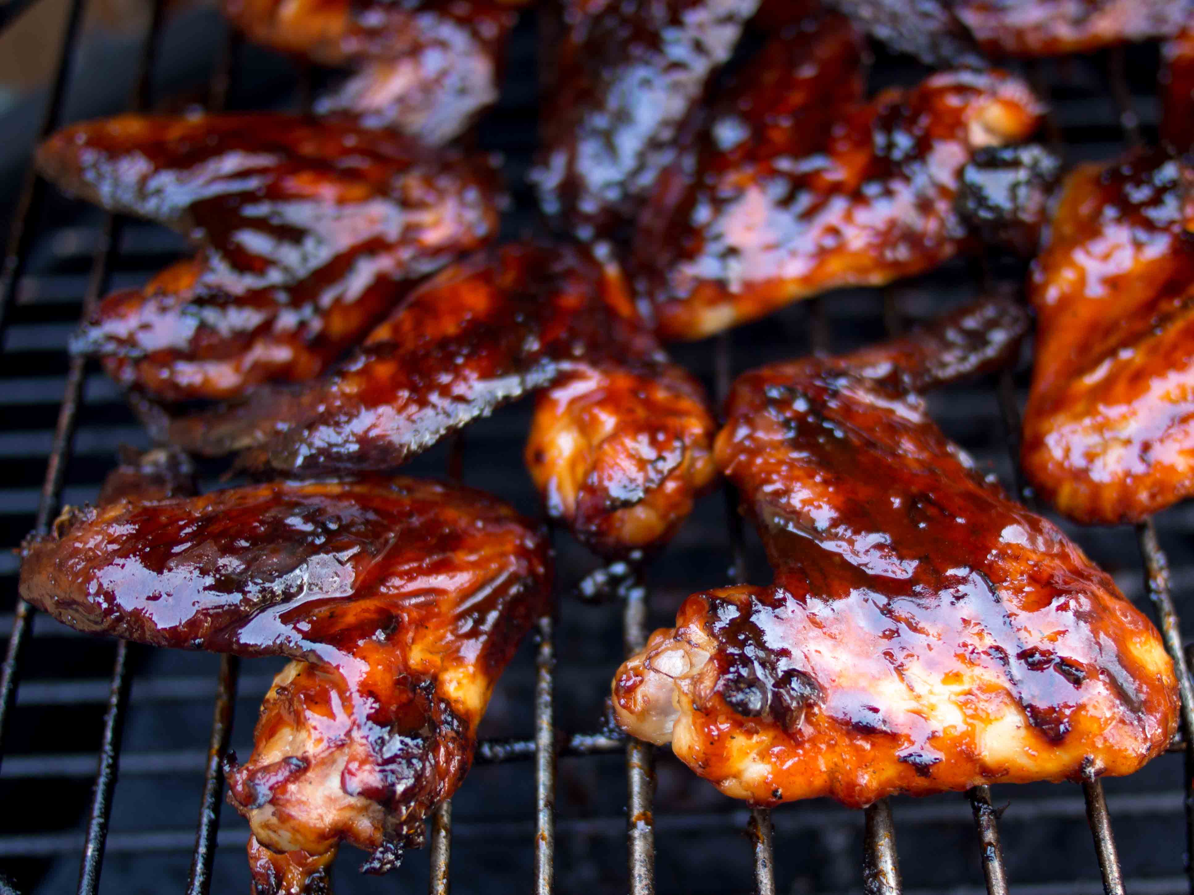 Smoky BBQ Chicken Wings – Marinated [Kilo ...